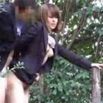 真昼間の人気のない公園でセックスしちゃうサラリーマン&OLをガッツリ盗撮!