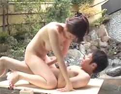 露天温泉で姉弟一緒に混浴しての青姦で近親相姦ってwwwてかお姉ちゃん神乳すぎ!なんてエロ巨乳だ!