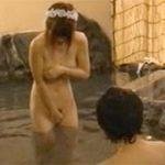 男湯公開セックスで巨乳お姉さんが立ちバックからの尻射精受けて気まずそうに去る瞬間がコレ!