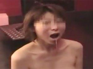 一人の女に群がる男達wSM部屋で行われた輪姦乱交の個人撮影流出モノ!