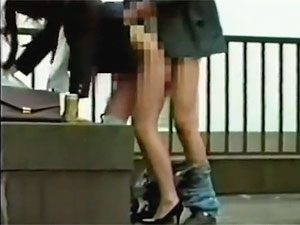 昼休みに社屋の屋上で青姦ファックするガチ素人OLカップルの一部始終を顔出し盗撮&流出!