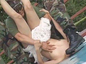 みづなれい:傭兵部隊に捕まったら輪姦レイプされちゃうリアル鬼ごっこで衝撃的な水責めw