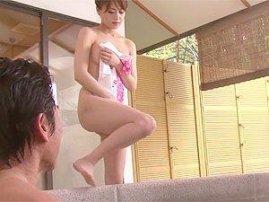 吉沢明歩:「これしか、お金を返す方法がないわ!」旅館の借金返済の為、混浴で体売る美人女将の露天青姦無理やり生ハメレイプセックス!